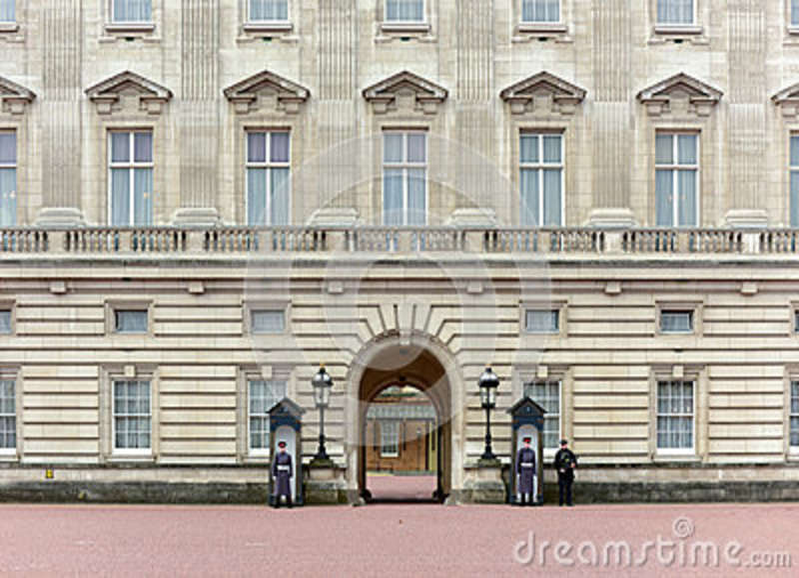 Sentry - Buckingham Palace, London