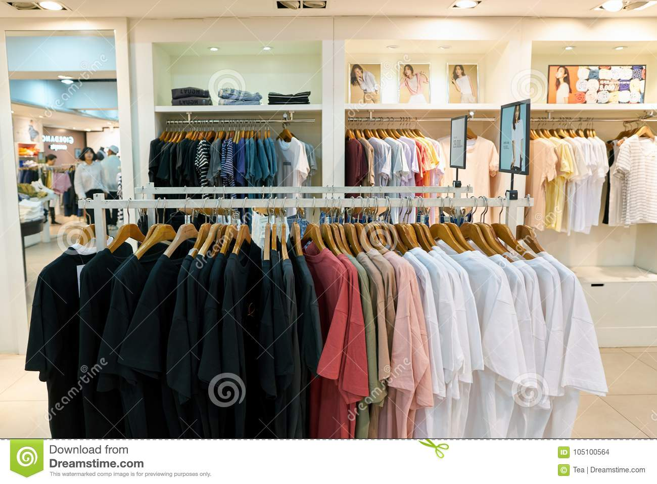 9df79f74809 Giordano store in Seoul editorial stock image. Image of shopping ...