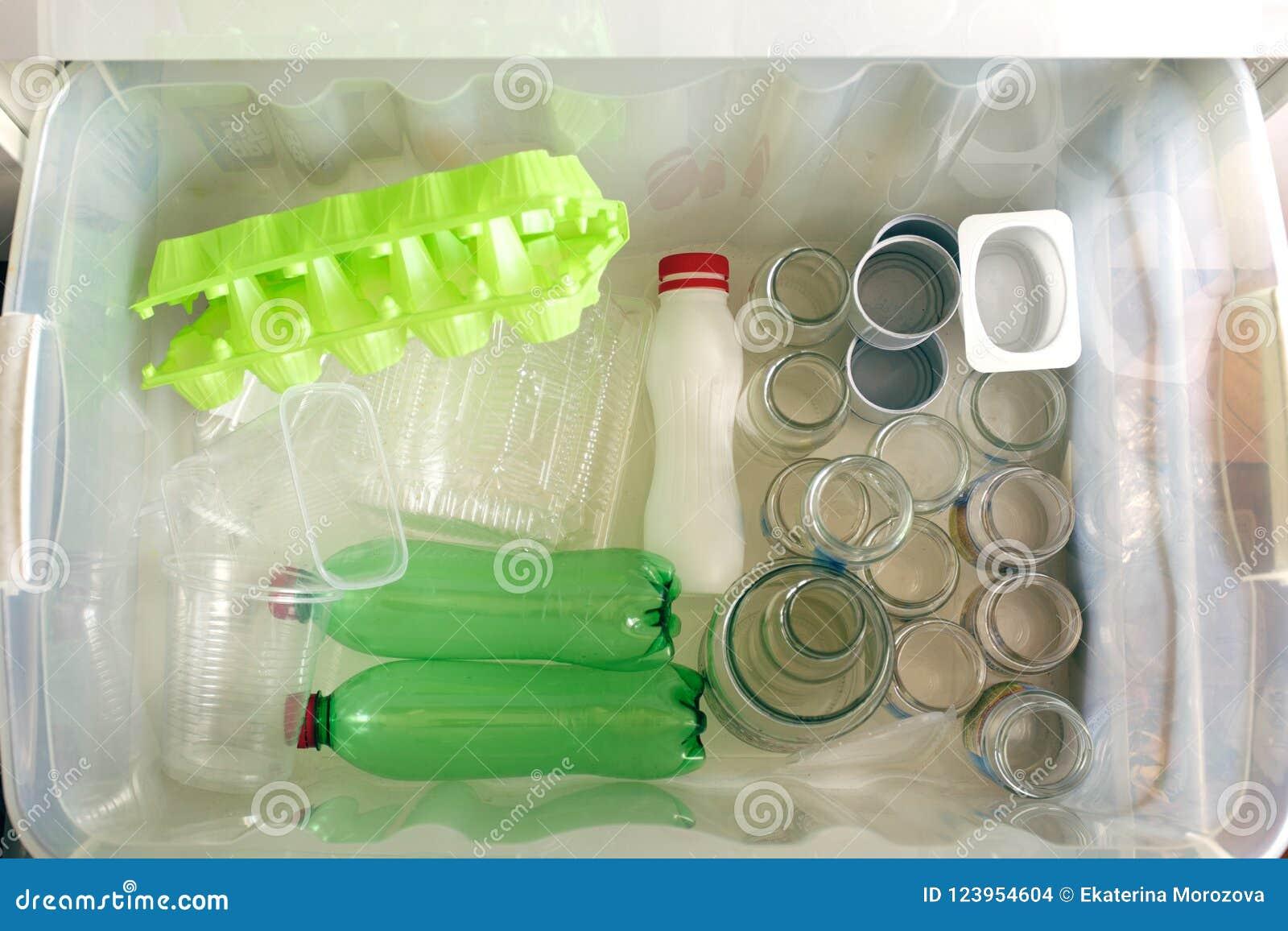 Separazione dei tipi dell immondizia Concetto della gestione dei rifiuti Vista superiore Immagine concettuale per inquinamento am