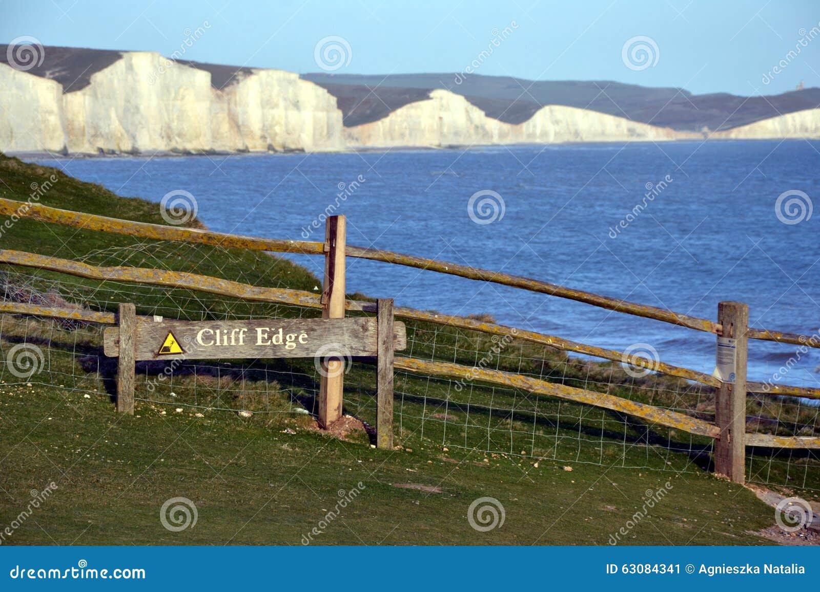 Download Sept Falaises De Craie De Soeurs, Le Sussex Est, Angleterre Photo éditorial - Image du côtes, herbe: 63084341