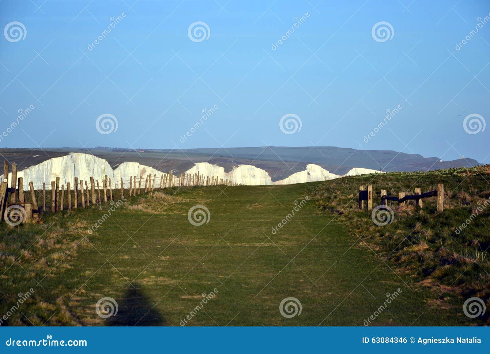 Download Sept Falaises De Craie De Soeurs, Le Sussex Est, Angleterre Photo éditorial - Image du côtes, hublots: 63084346