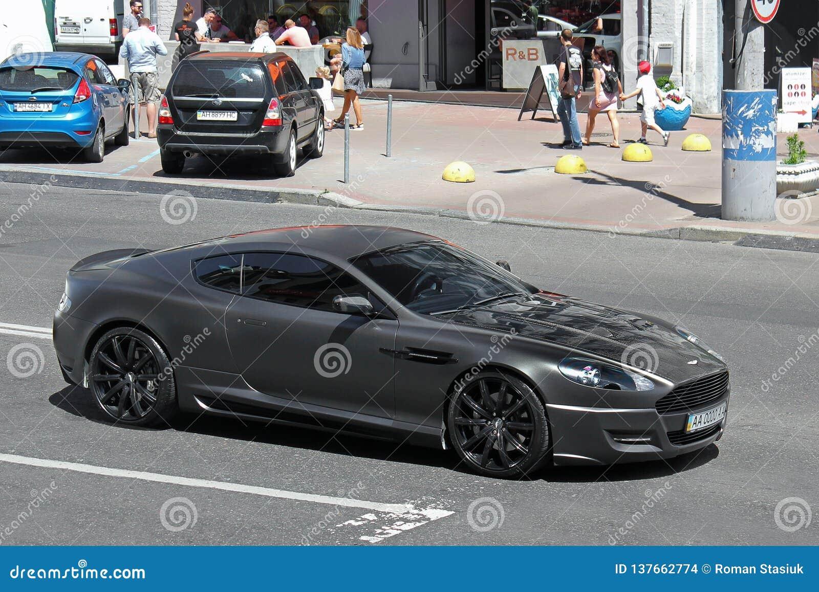 10 septembre 2013, Kiev, Ukraine Projet Kahn de Matt Aston Martin DBS sur la route à Kiev