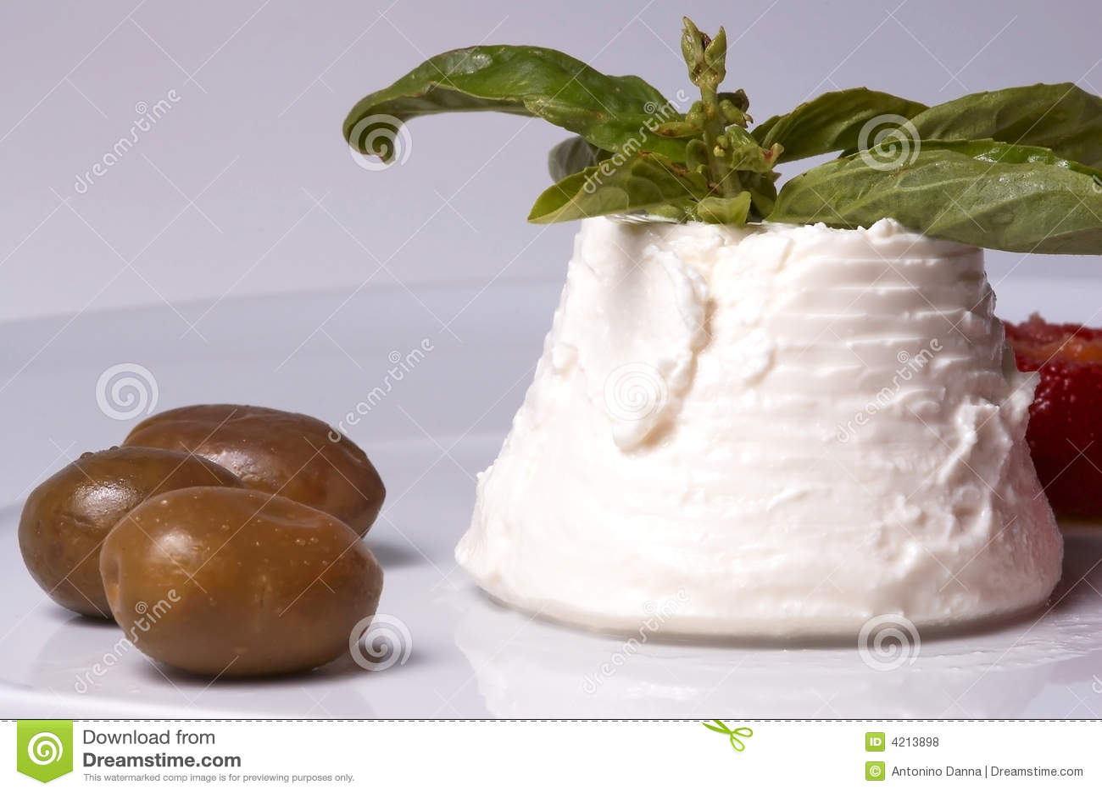 Ser włoski oliwki ricotta