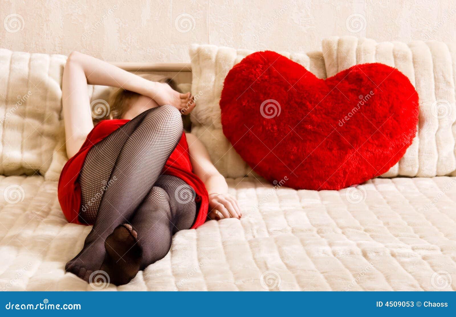 Serce łóżkowi młodych kobiet