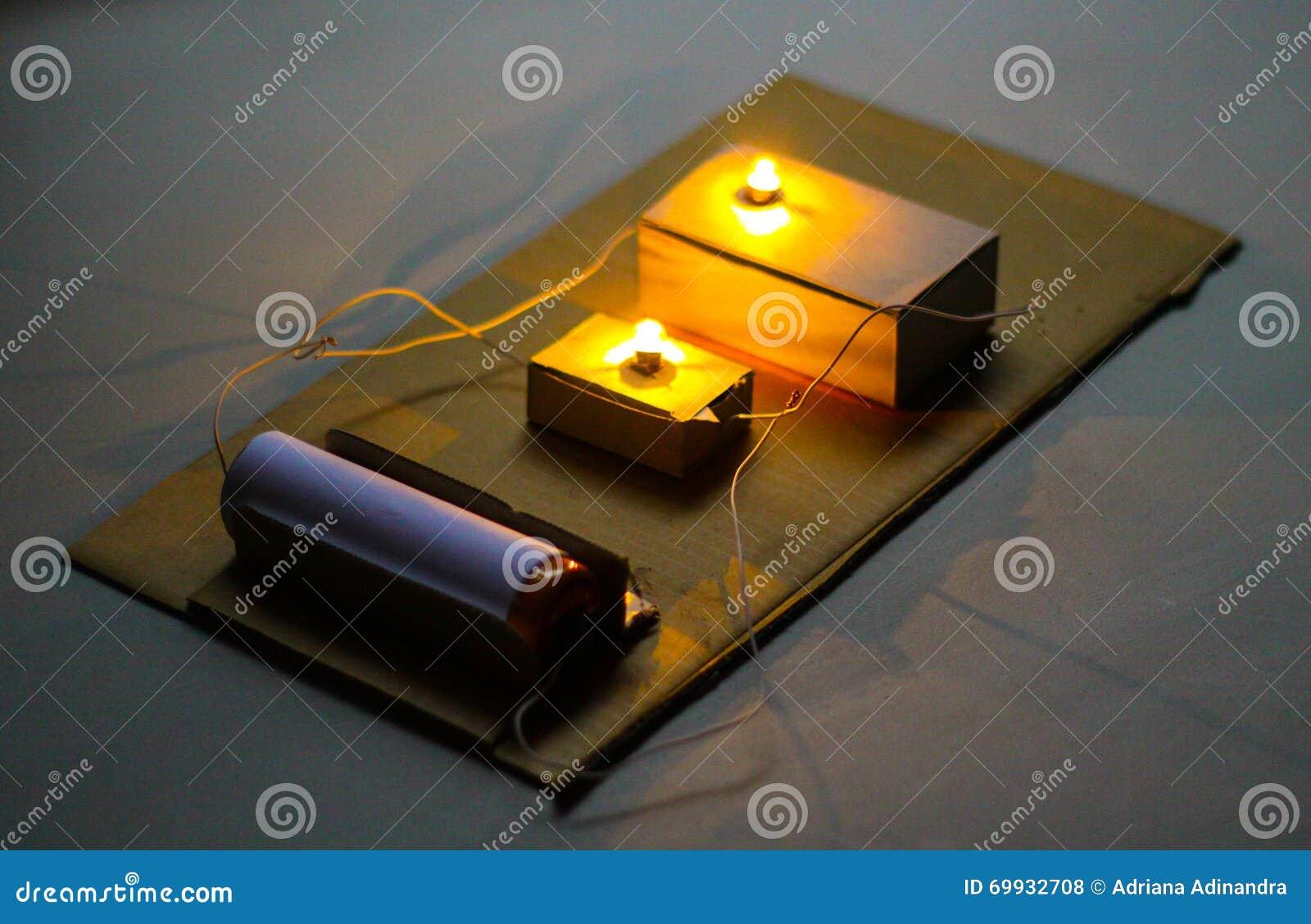 Circuito Electrico En Serie : Serie de los circuitos eléctricos foto de archivo imagen de ideas