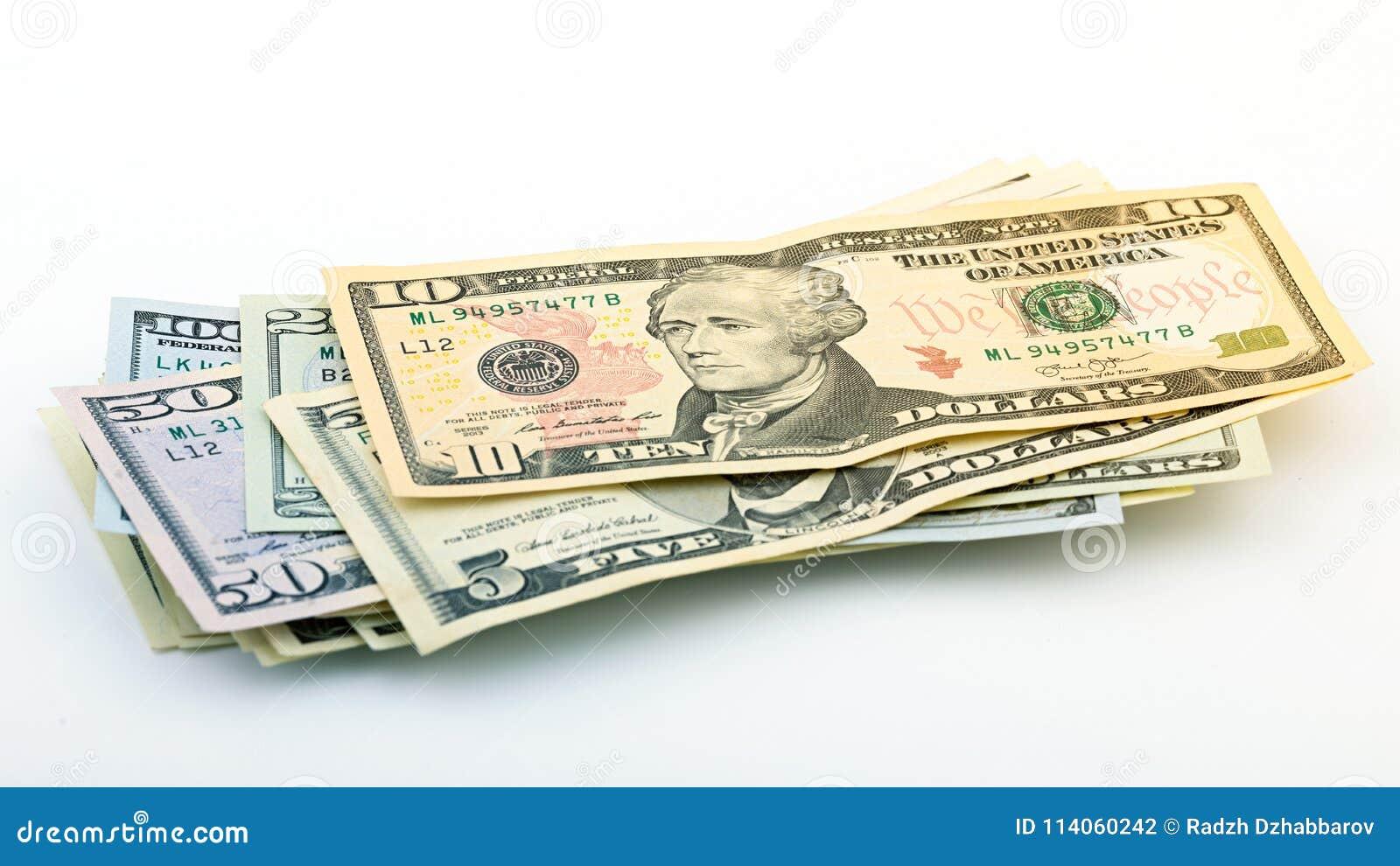 Serie del dinero americano 5,10, 20, 50, nuevo billete de dólar 100 en la trayectoria de recortes blanca del fondo Billete de ban