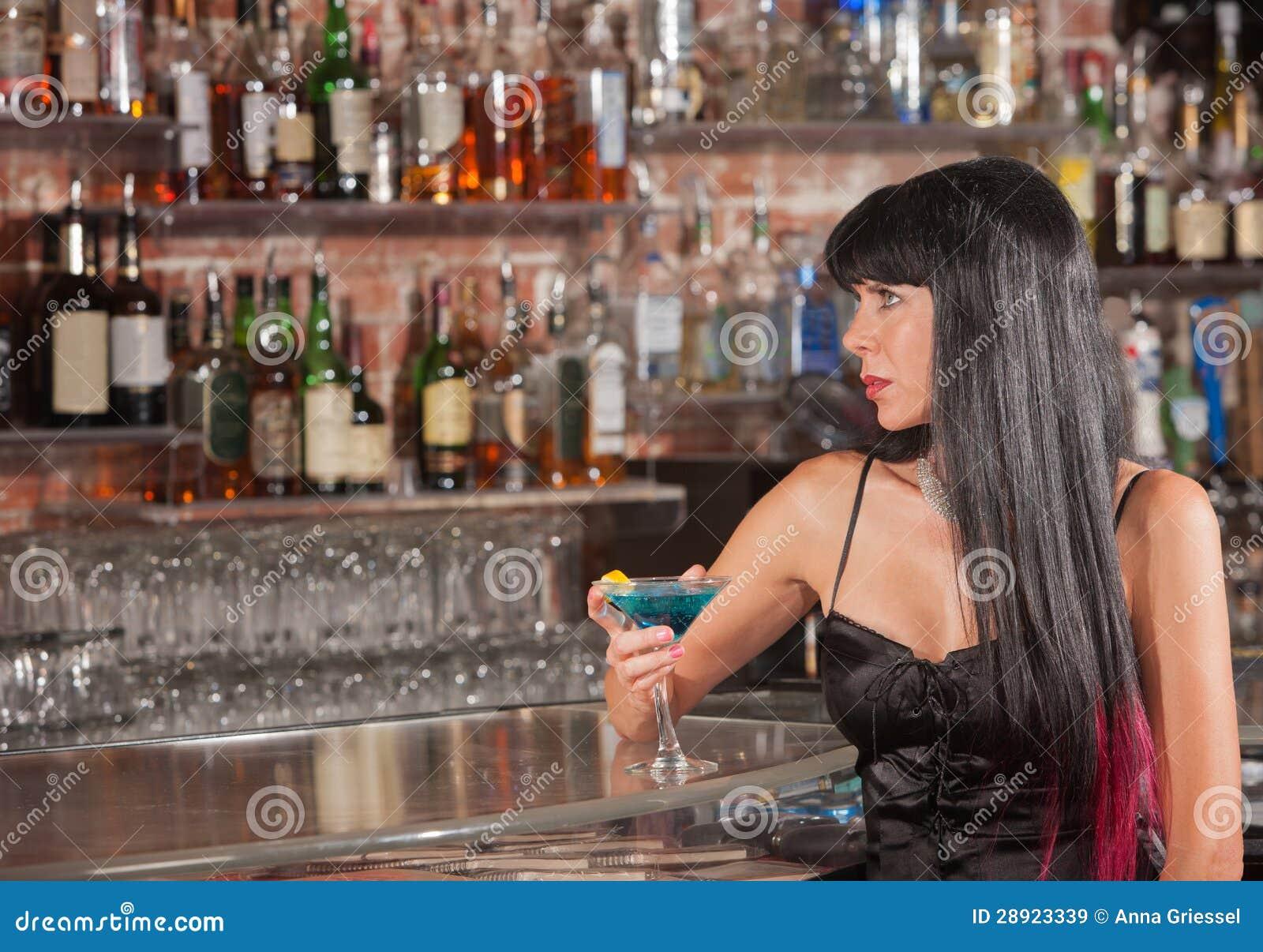 Снял в баре онлайн 6 фотография