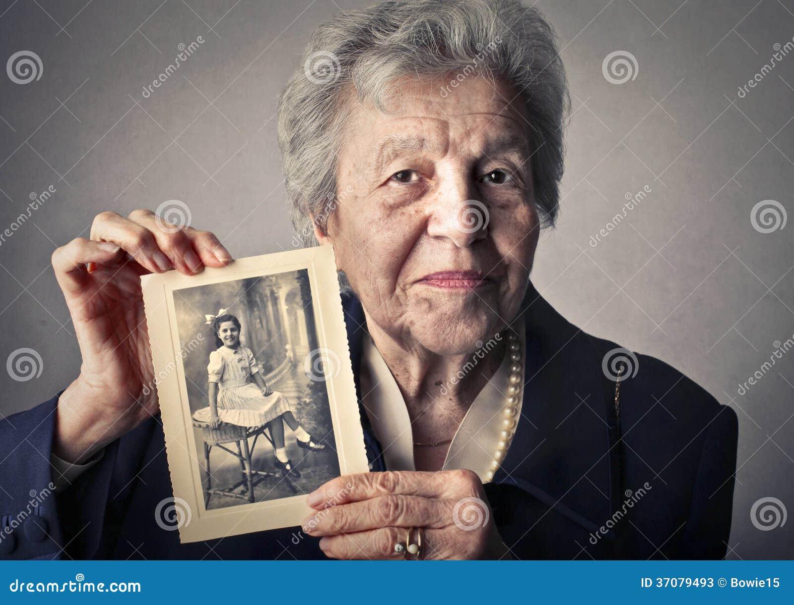 Download Seriuos Kobieta I Stary Człowiek Obraz Stock - Obraz złożonej z miłość, życie: 37079493