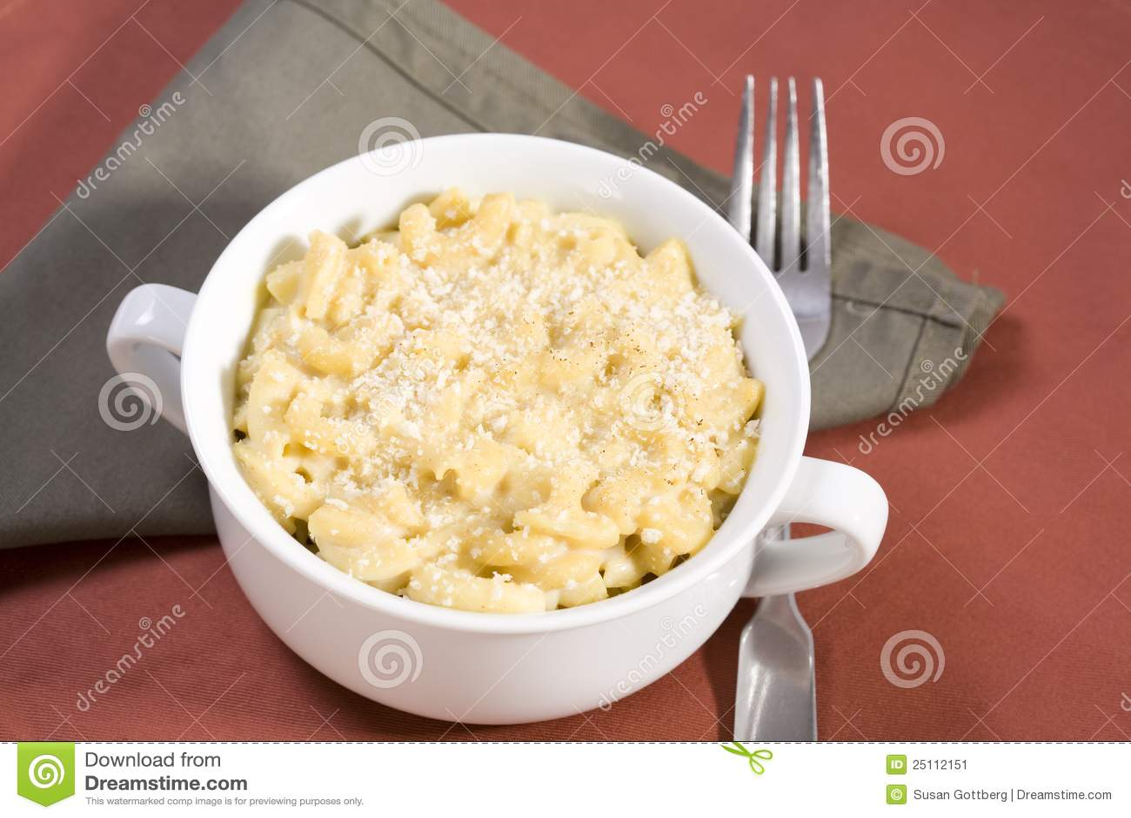 Serowy makaronowy weganin