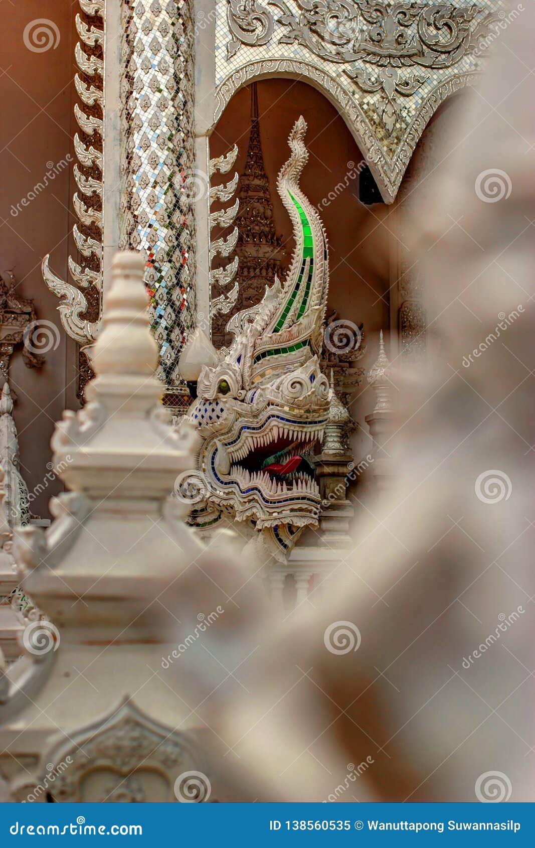 Serpent of Naga-standbeeld