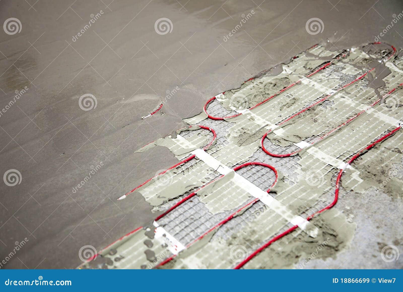 Serpentine di riscaldamento del pavimento immagini stock for Disegni unici del pavimento
