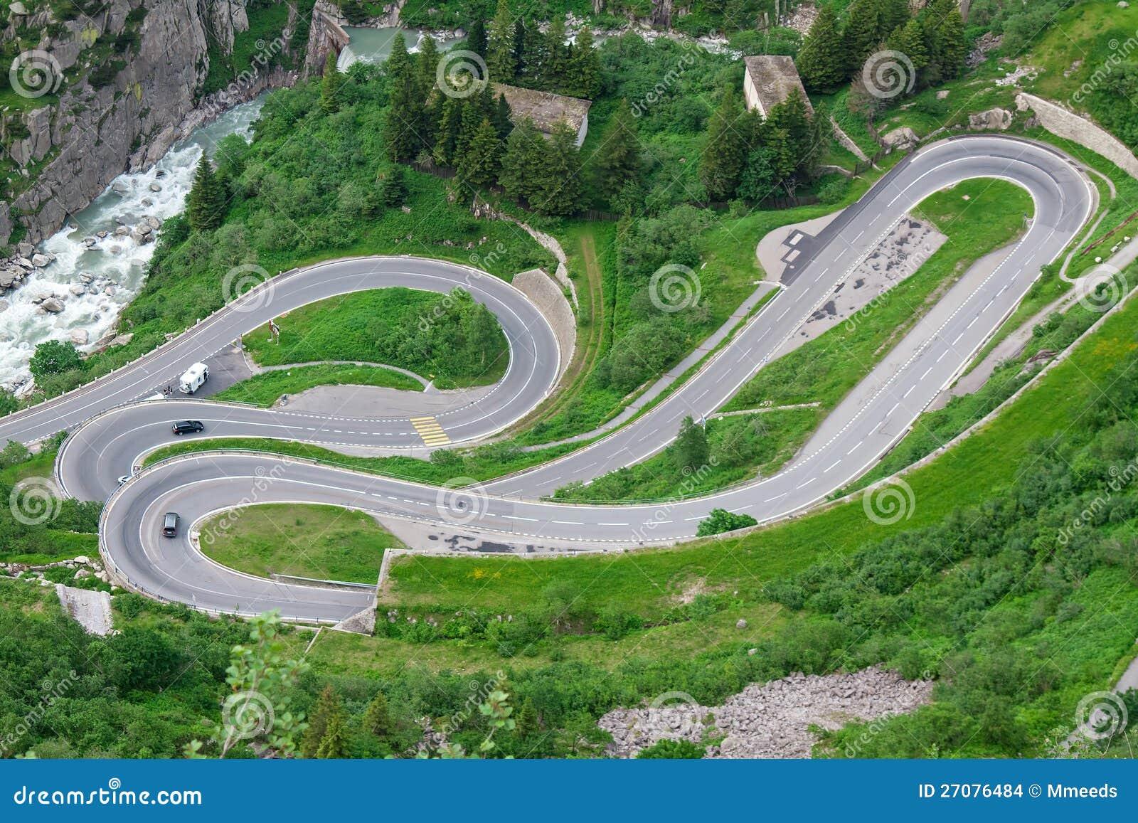 Serpentyna w Alps. Szwajcaria