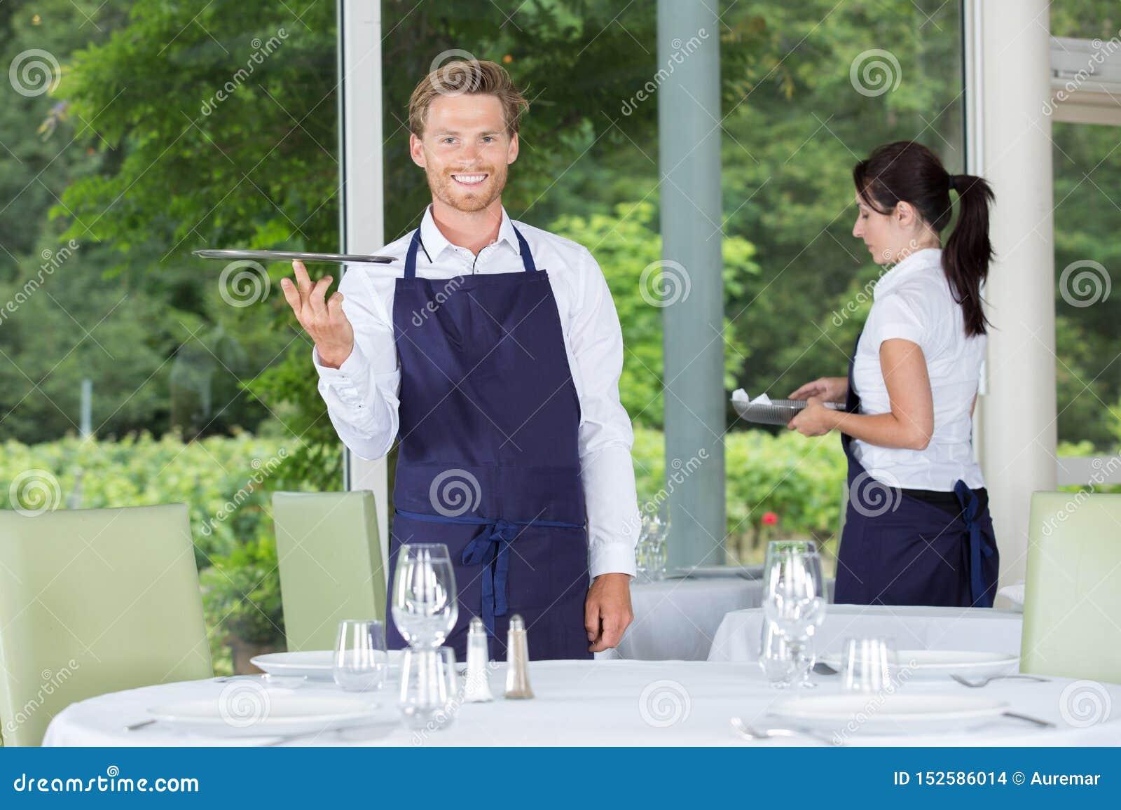 Serveurs dans le restaurant