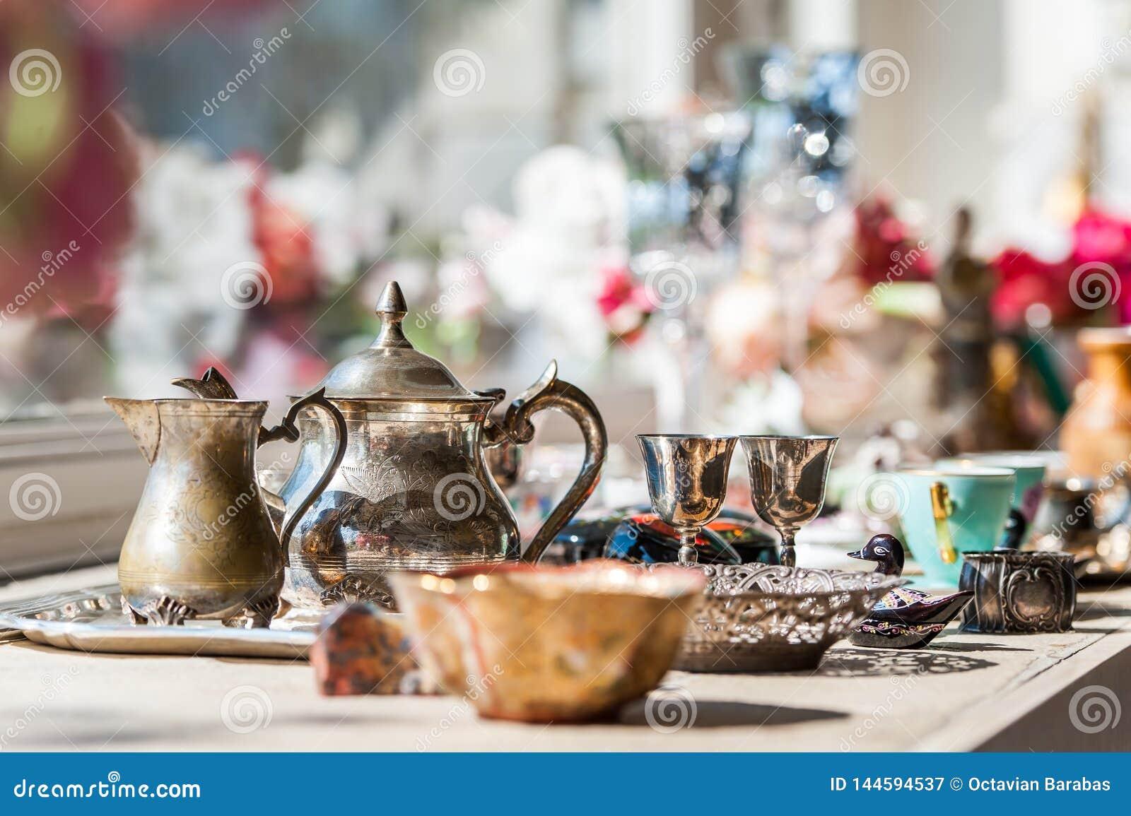 Service à thé fait d argent