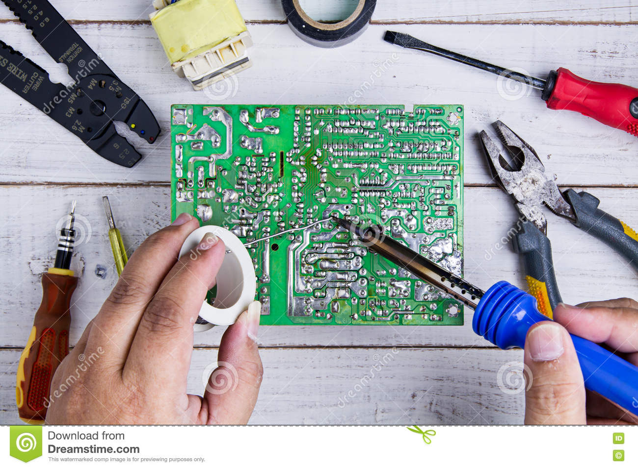 Circuit Board Solder Iron Search For Wiring Diagrams Best Boards Serviceman Soldering With Temperature