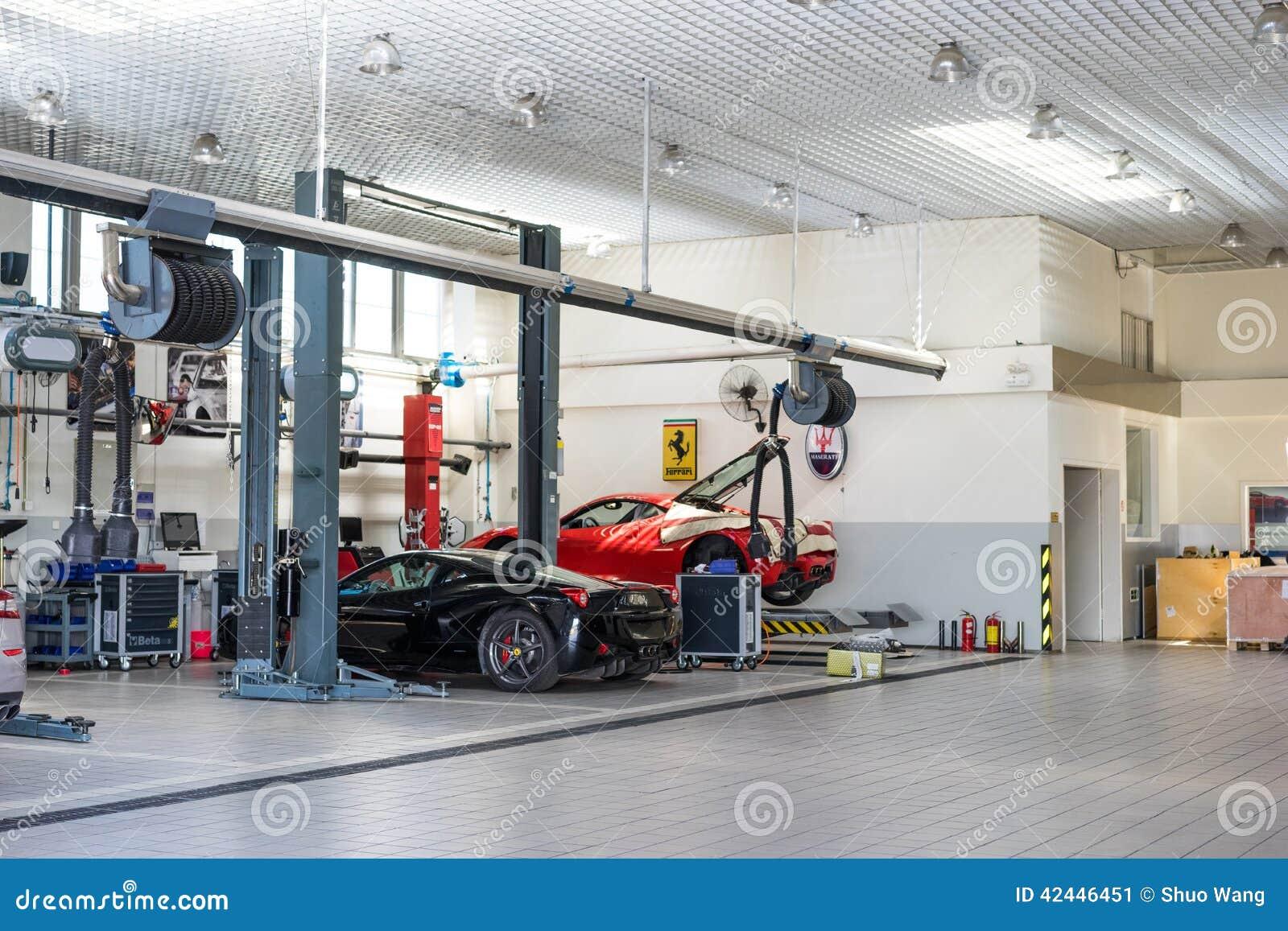 Servicio de reparación del coche de Ferrari
