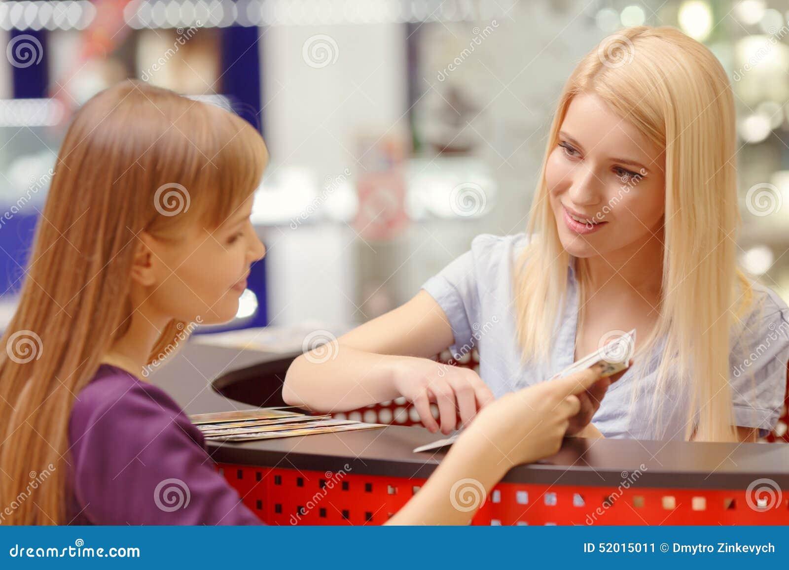 Servizio d assistenza nel centro commerciale