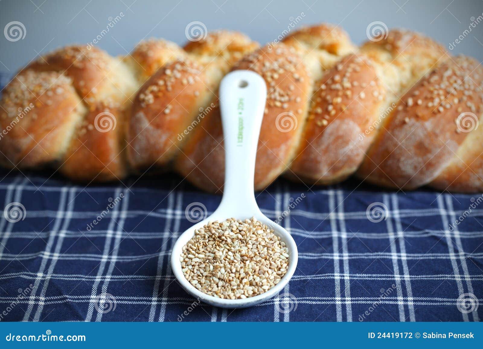 Sesam en gevlecht artisanaal broodbrood