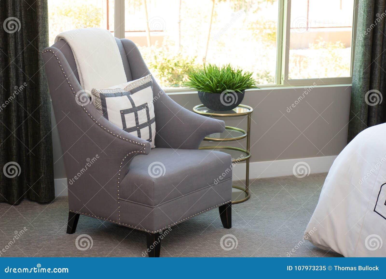 Sessel Im Modernen Schlafzimmer Stockbild - Bild von hoch ...