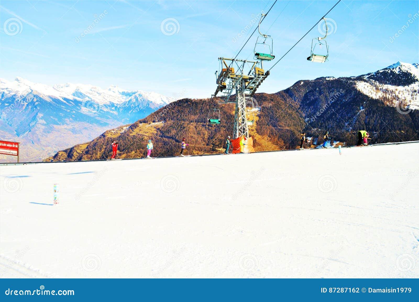 Sessellifte in den Schweizer Alpen und in den Schneebahnen