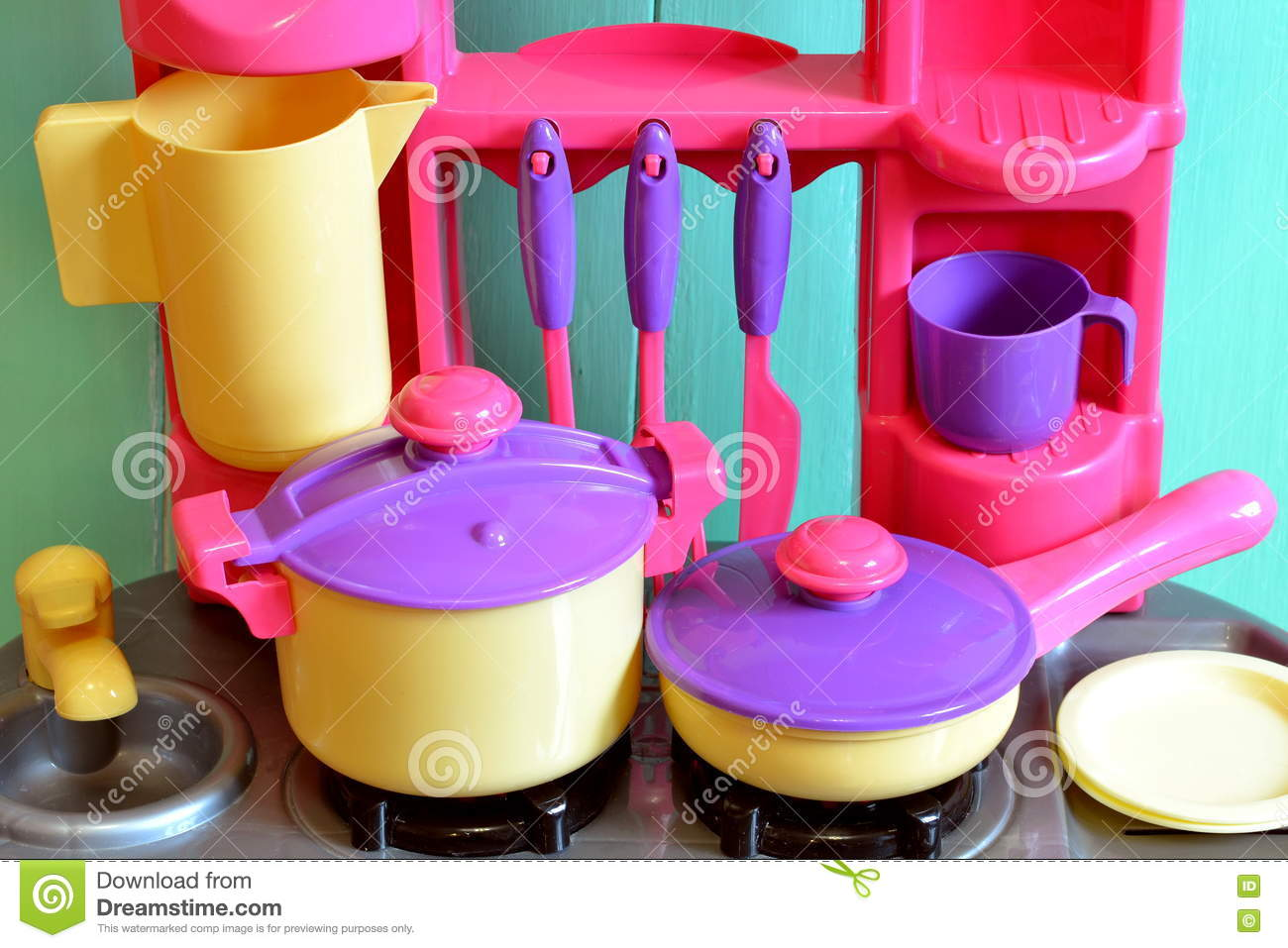Set of kids dishes children 39 s toys kitchen utensils for Kitchen set games