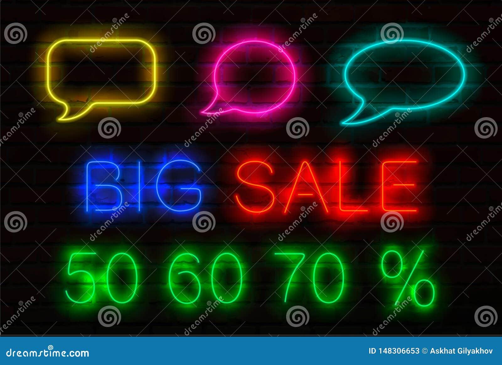 Set neonowi znaki z świecącym dla sprzedaży Mowa bąble, tytułowa Duża sprzedaż i 50, 60, 70 procentu sprzedaż daleko