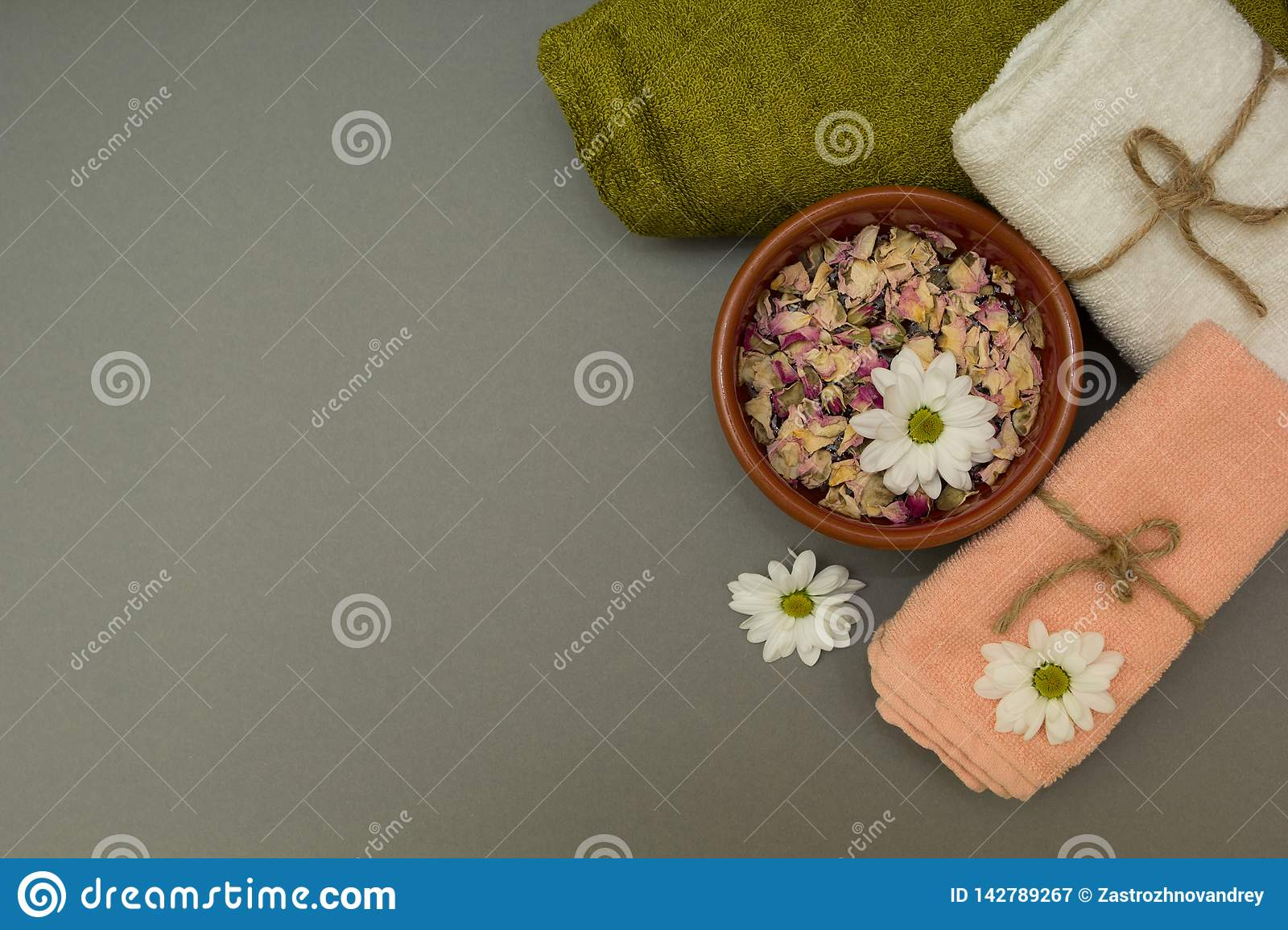 Set for spa, white flowers