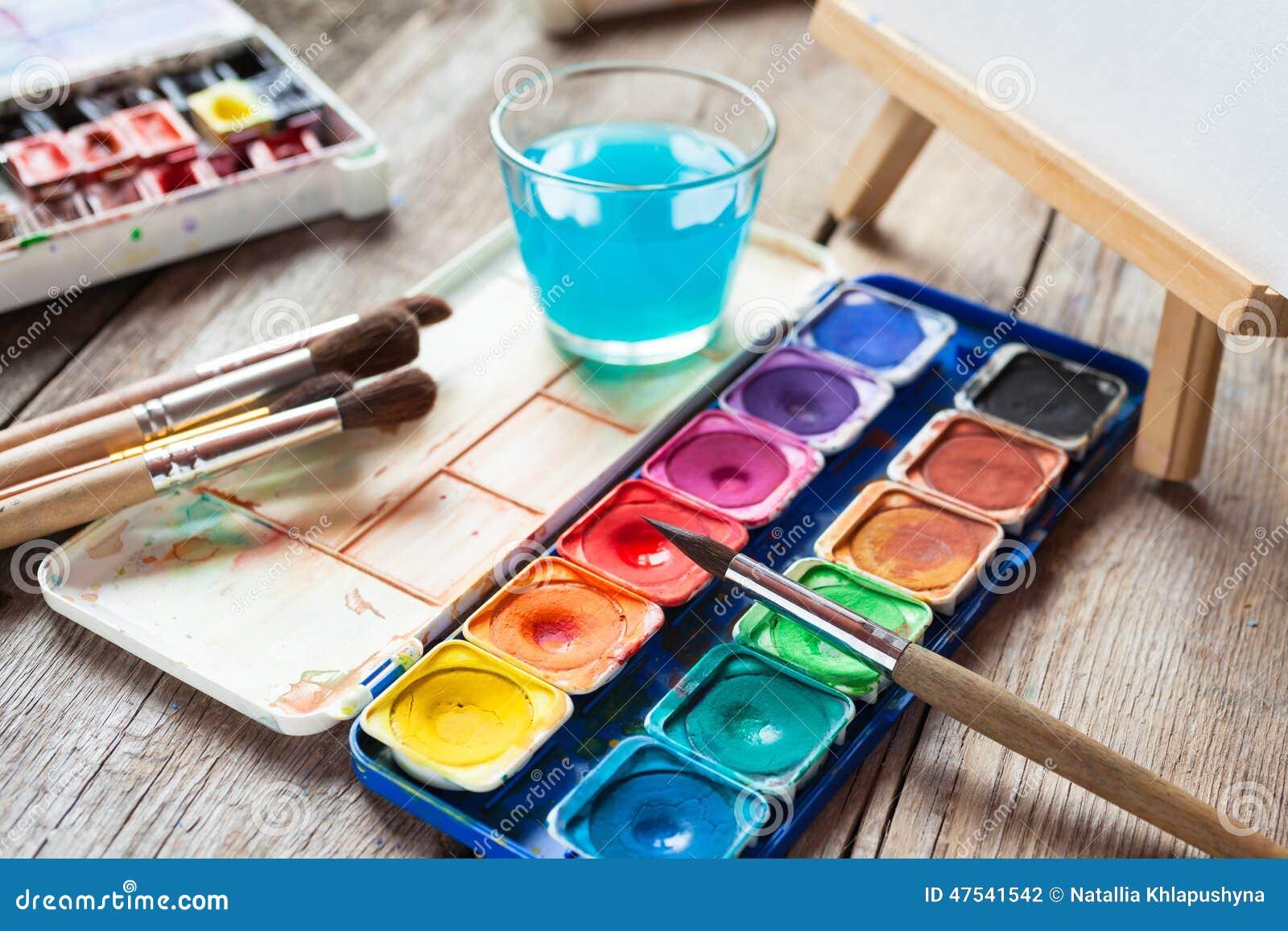 Paint Pallet Art Table