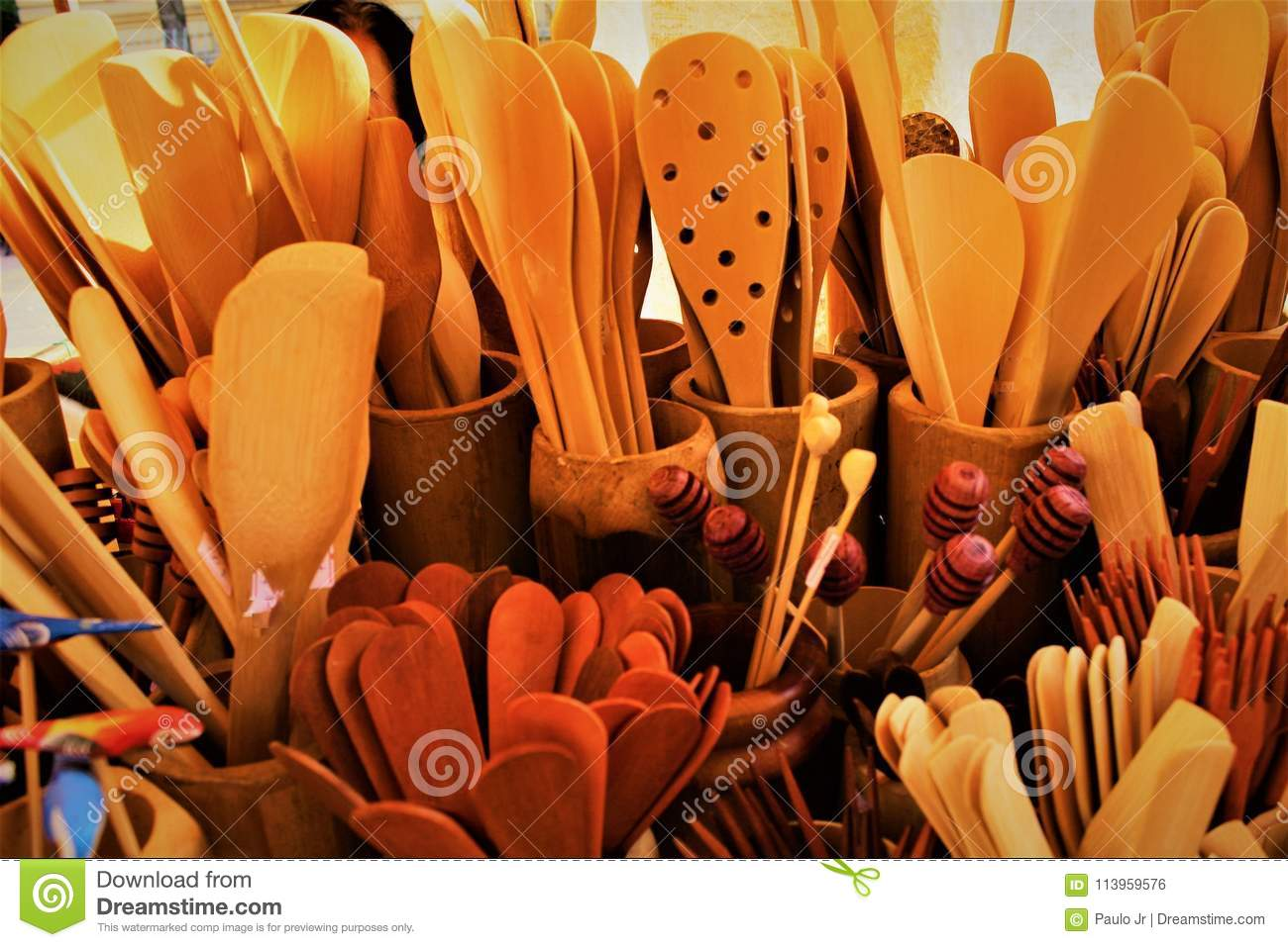 The wooden spoons and their texture.