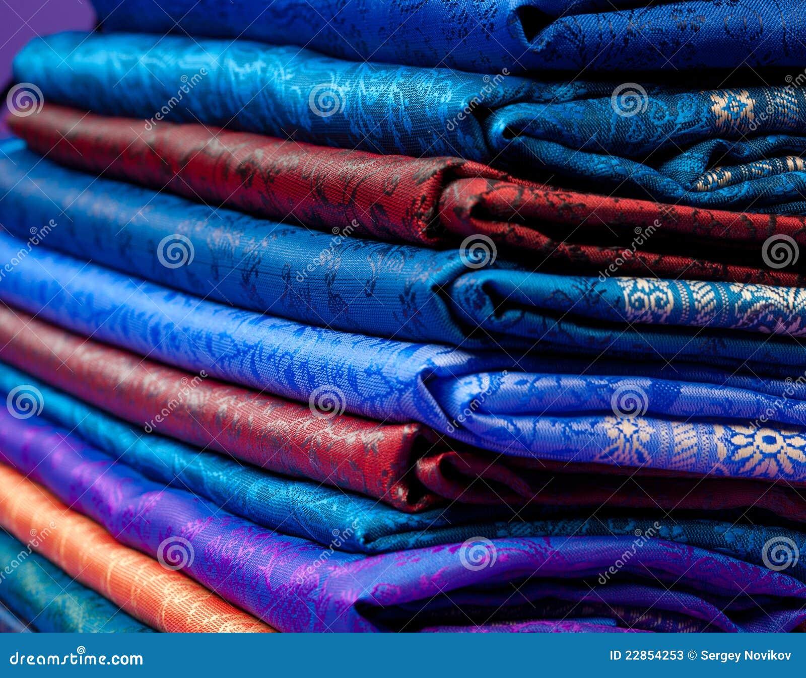 uk availability 85ab3 3350f Seta indiana piegata immagine stock. Immagine di vestiti ...