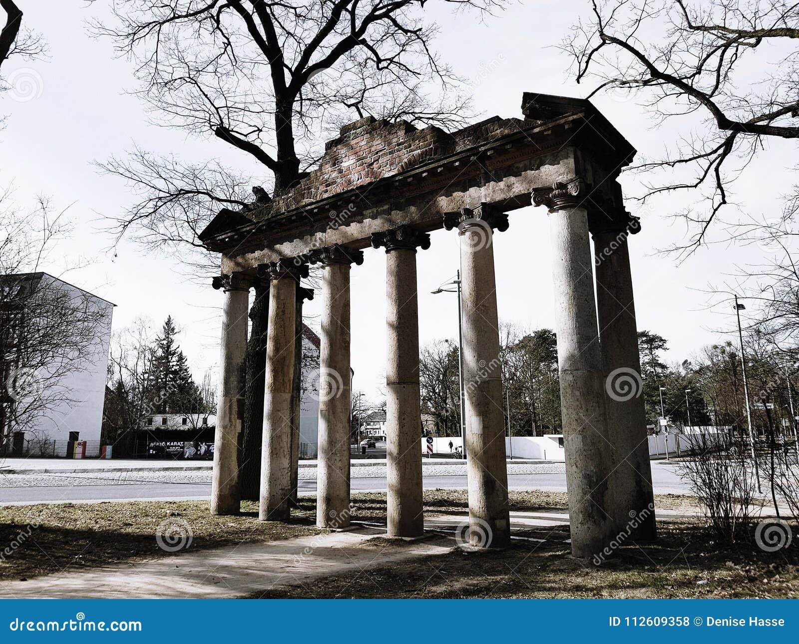 Sete colunas da pedra