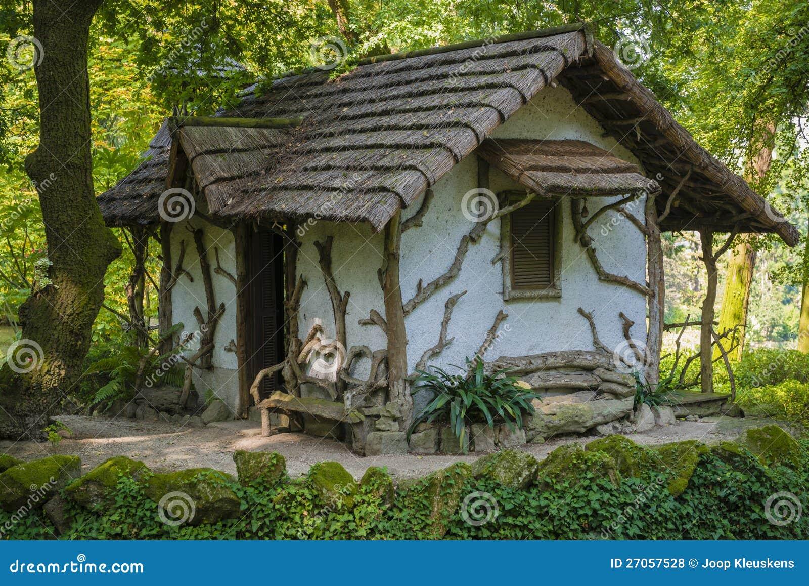 Seule Maison De Jardin Photos libres de droits - Image ...