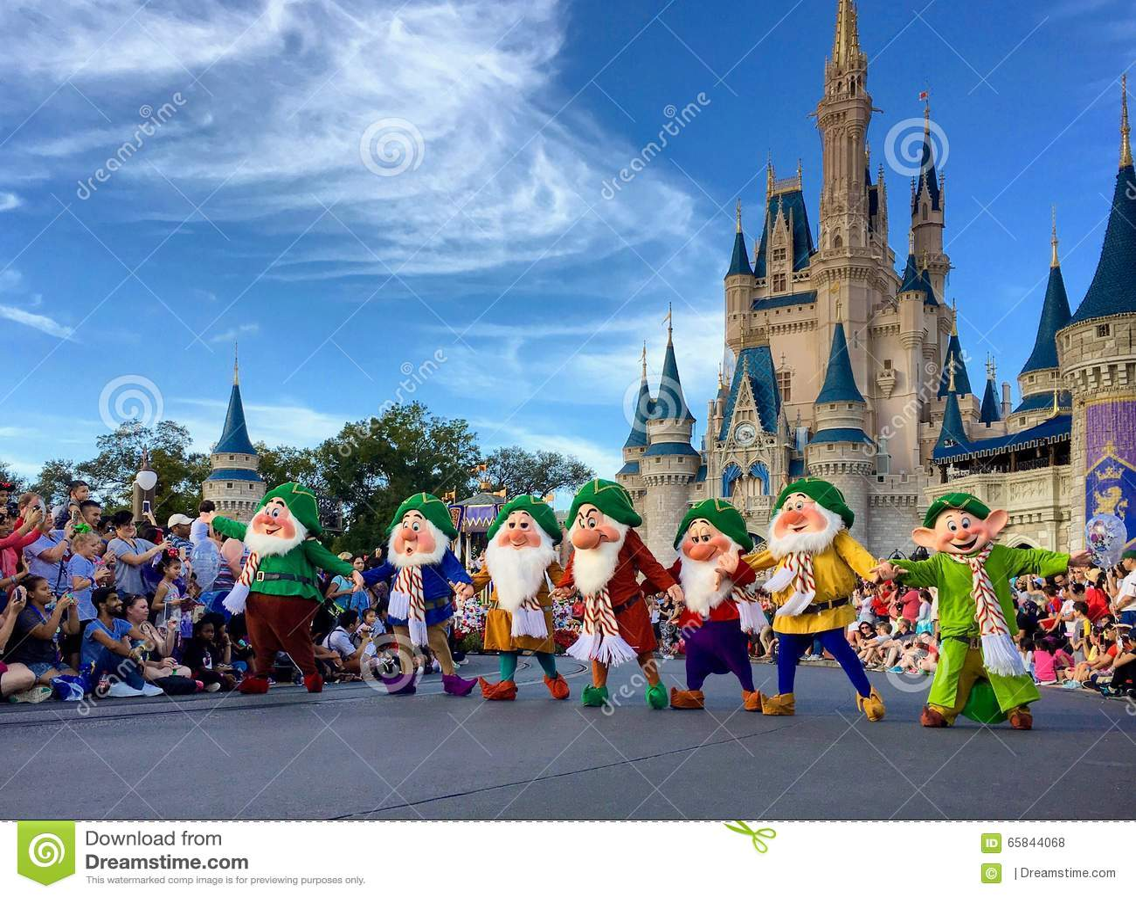 seven dwarfs performancing at walt disney world christmas party - Disney Christmas Party 2015