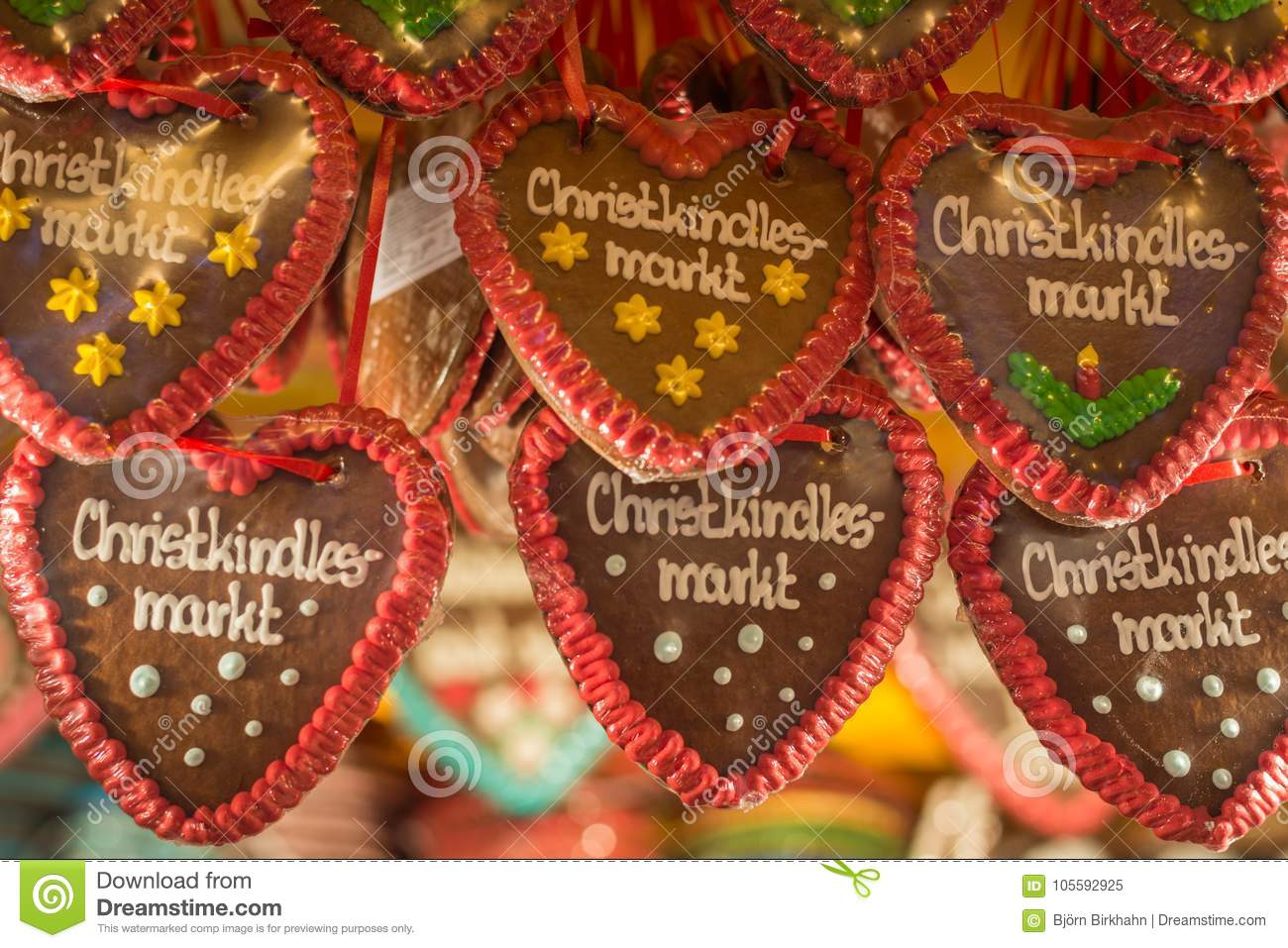Gingerbread Hearts With Christmas Market In German On It At A St