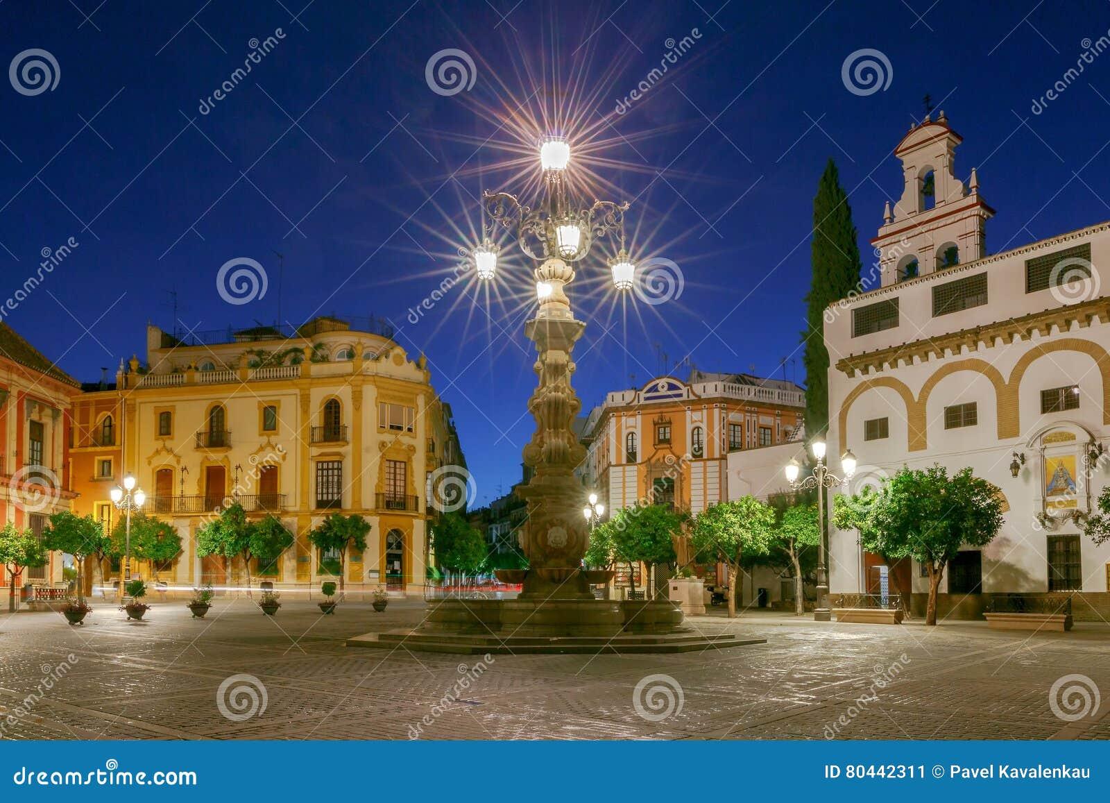 Sevilla Plaza DE La Virgen los Reyes