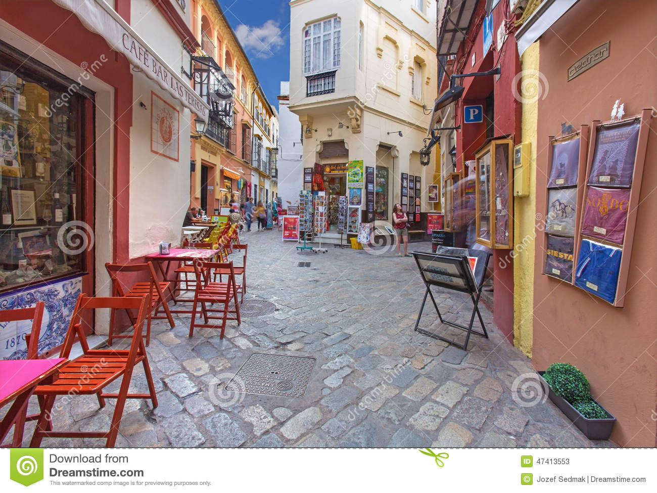Seville - Little streets with the shops and restaurants in the Santa Cruz  district e38b1b75d787d