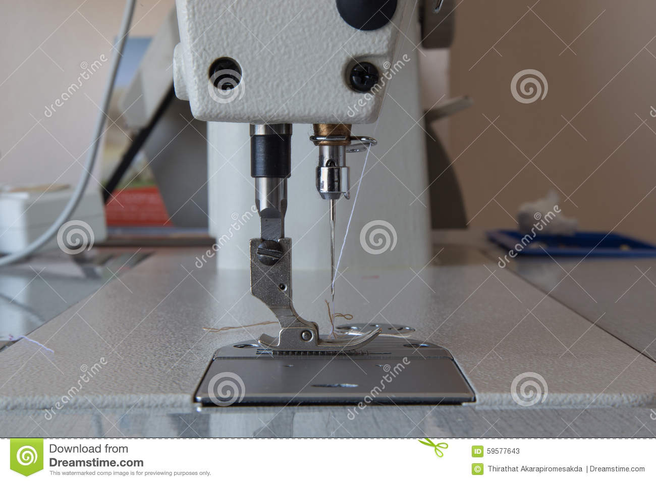 Rtnewlinknewsmakersprese furthermore Megazine further Stock Photo Yarn Thread To Be  bined Weaving Machine Image51061507 in addition Royalty Free Stock Photography Sewing Green Thread Spool Needle Image33000647 as well Stock Photo Blue Jeans Reverse Side Needle Image53188527. on needle manufacturing pr…