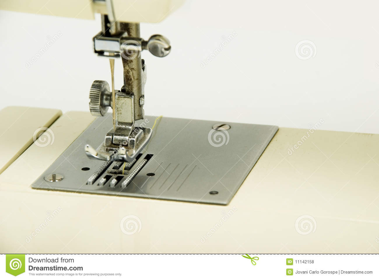 Sewing maching royalty free stock photos image 11142158 for Arts and crafts sewing machine