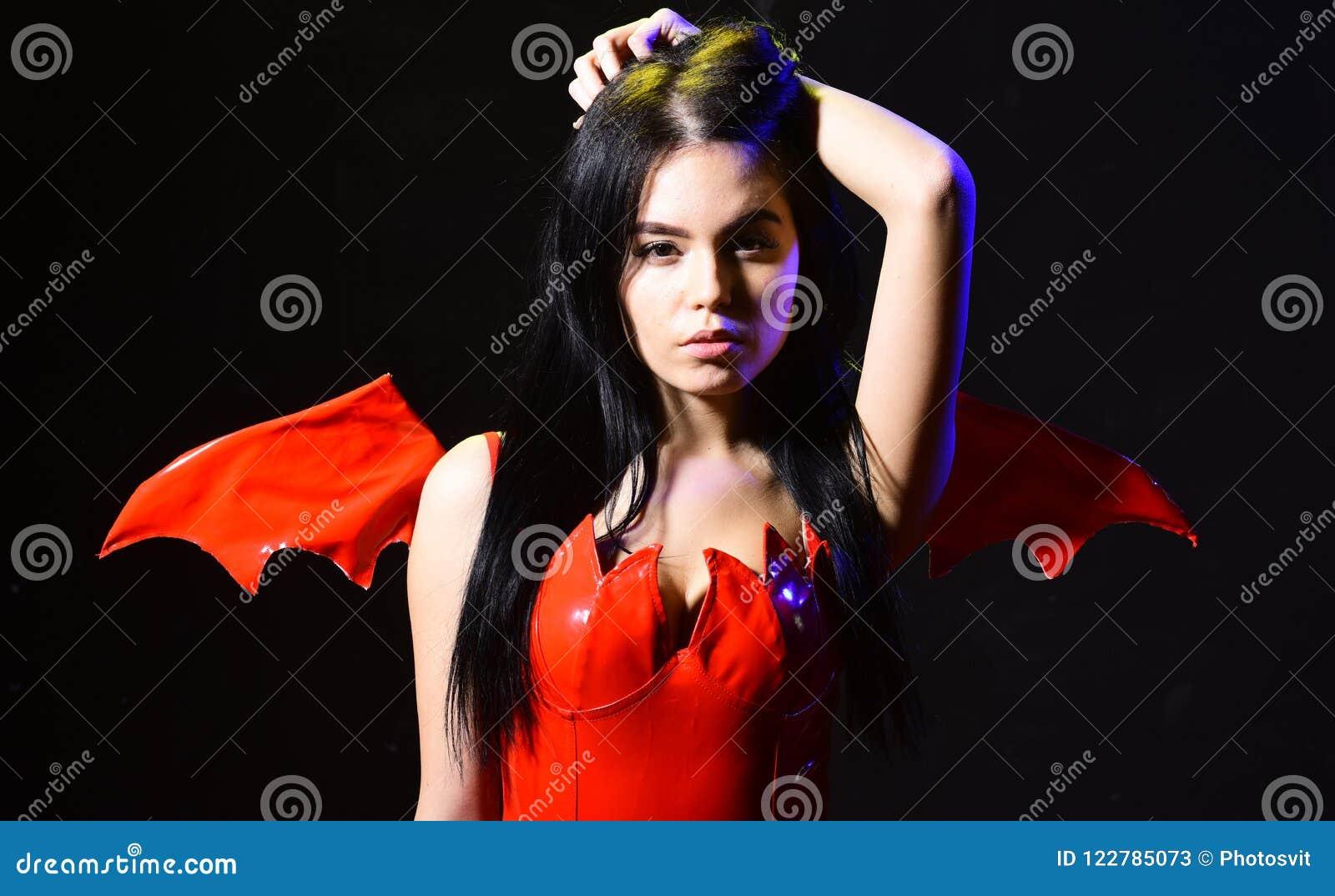 Sexi De La Señora Vestido Como Demonio Diablo Fondo Negro