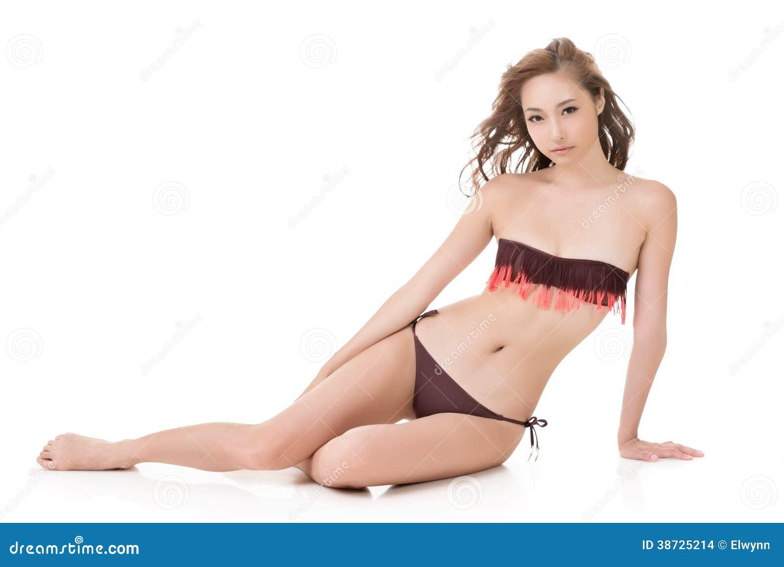 Sexig bikinikvinna av asiatet