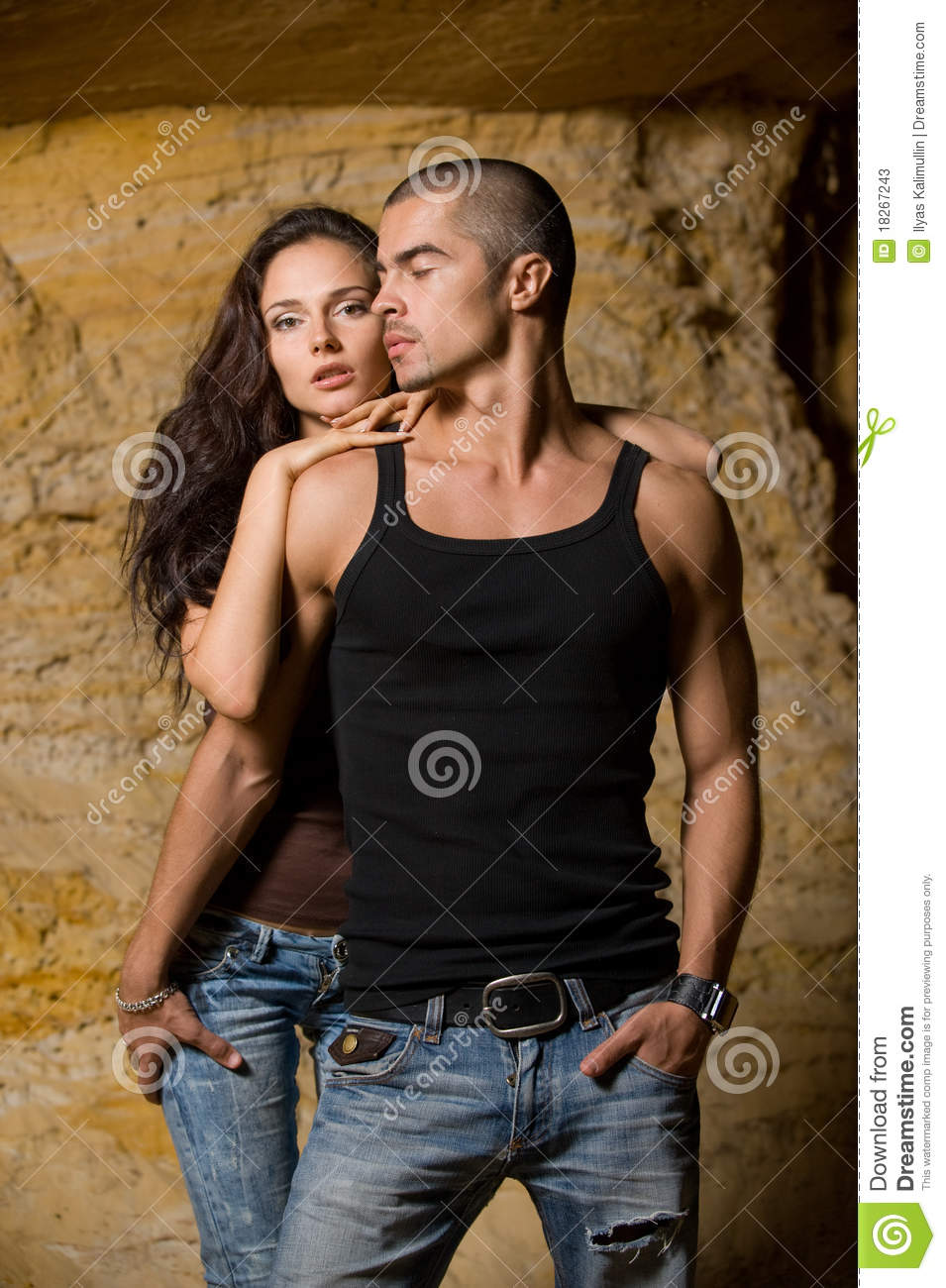 Sexual couple in the cave