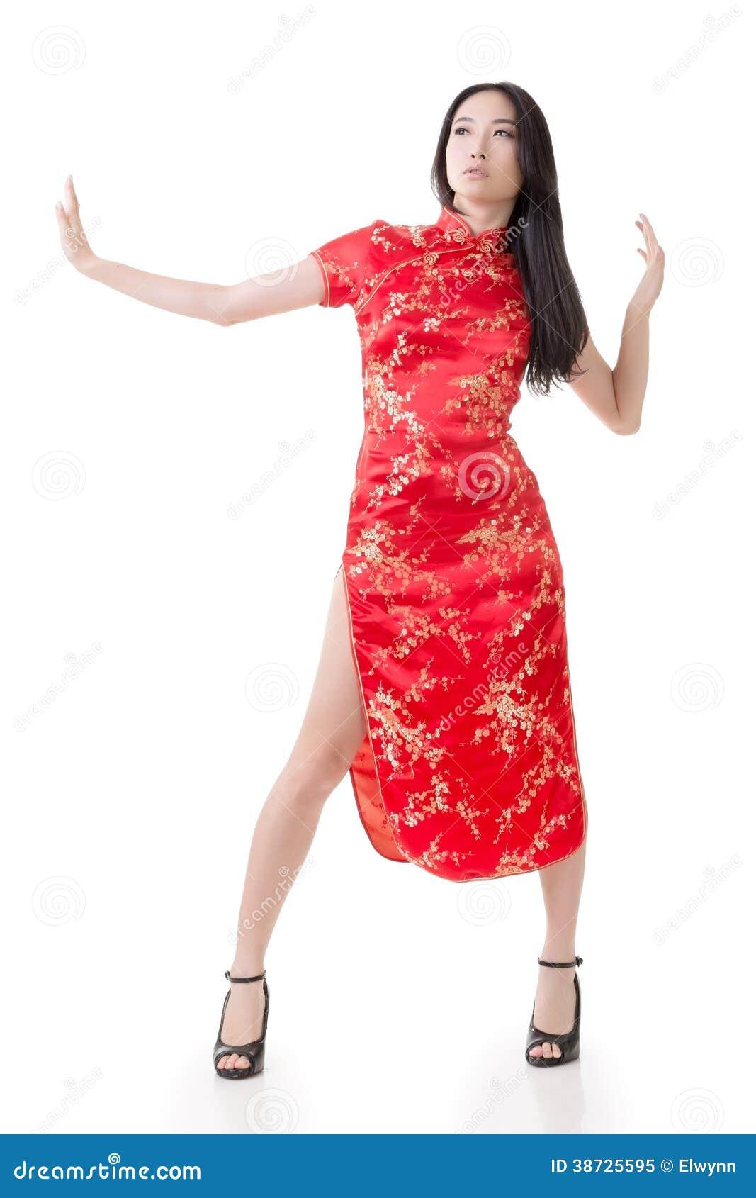Сексуальная китаянка в платье 3 фотография