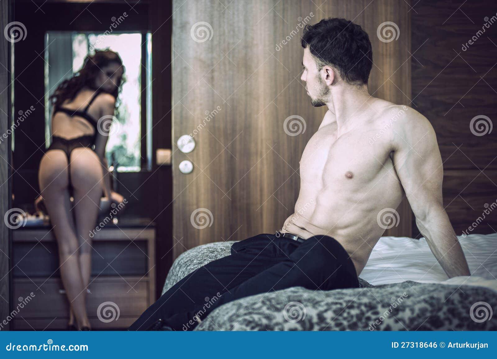 Сексуальные фразы мужу, Как соблазнять мужчину на расстоянии, какими словами 23 фотография