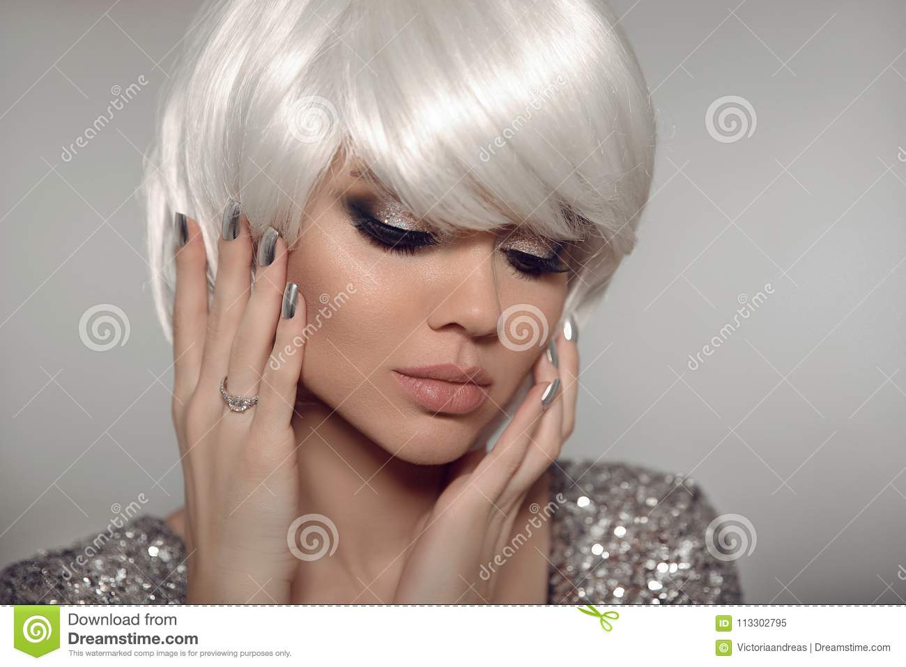 Fashion Blond With Bob Short Hairstyle And Manicure Nail Po Stock Image Image Of Adult Metallic 113302795