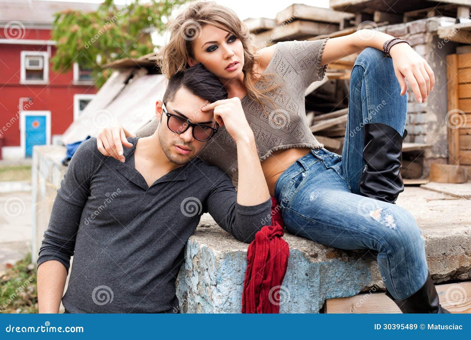 sex hot couple outdoor
