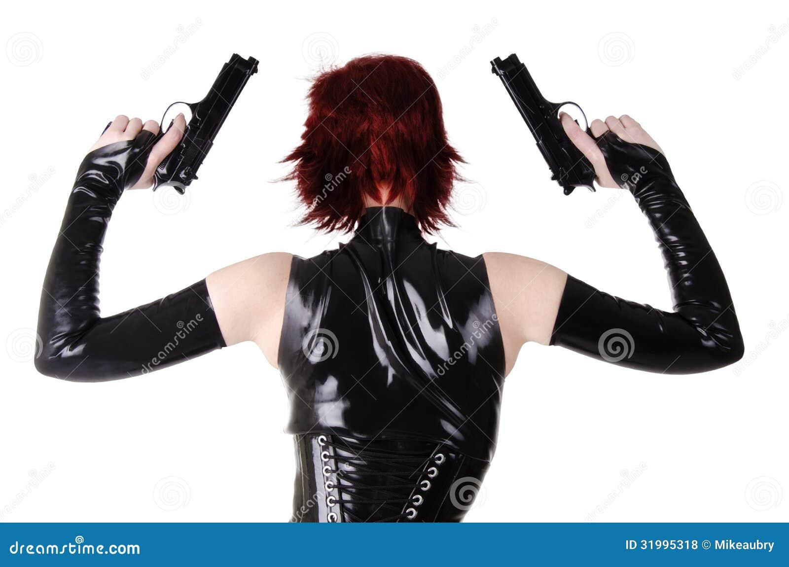 Sexy Frau mit Gewehren.