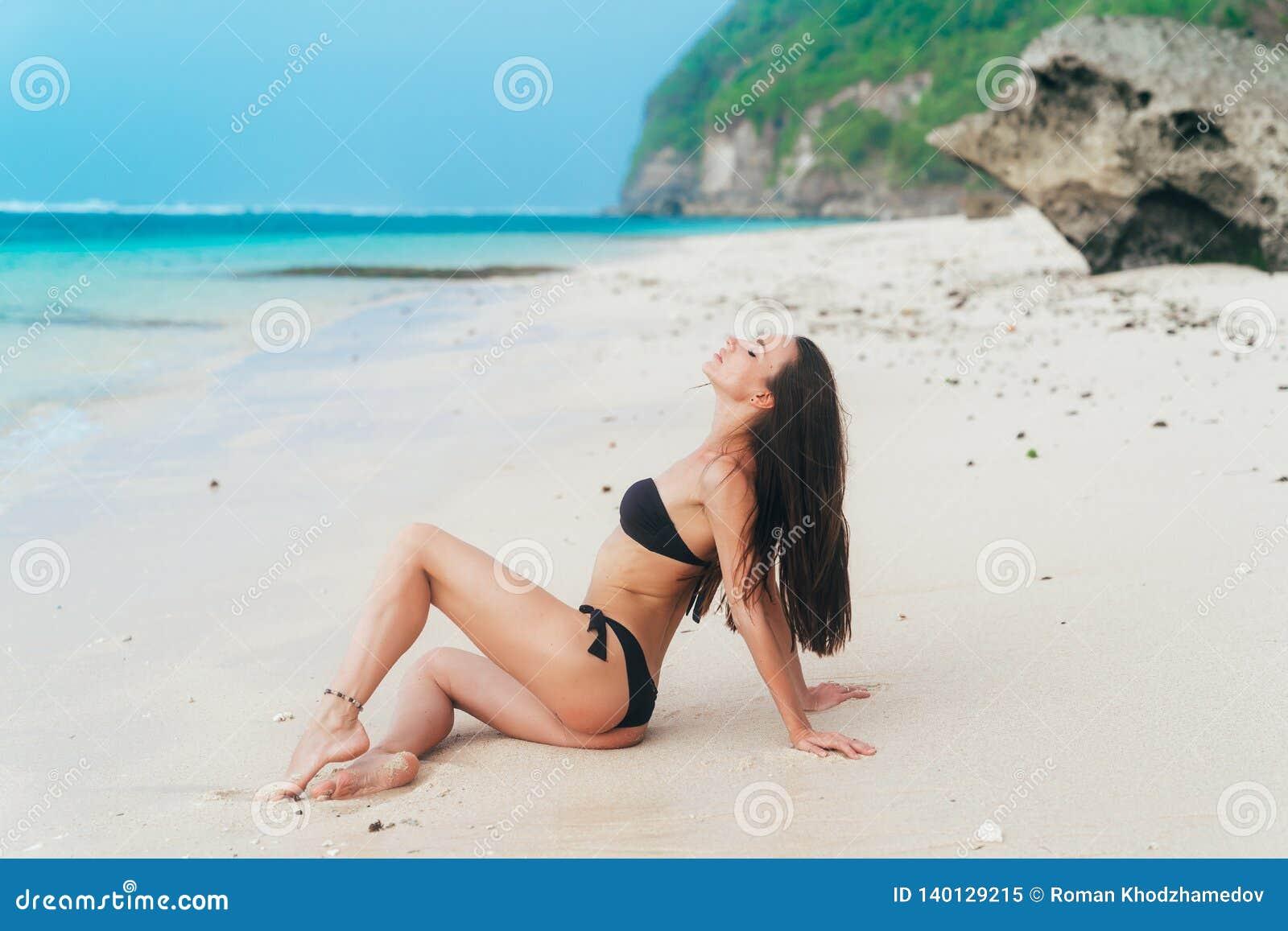 girl beach pics