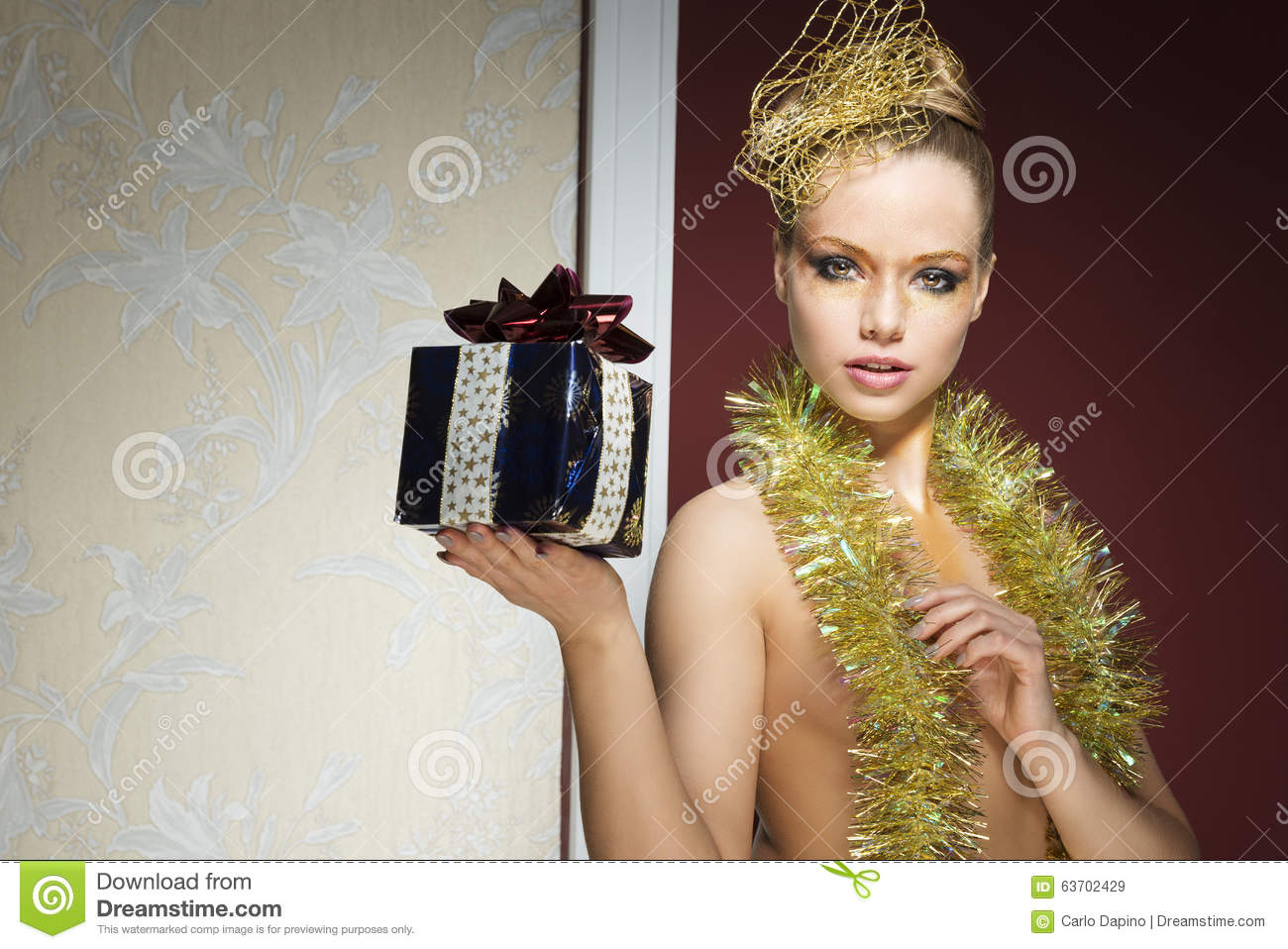 eac372703 Girl With Tinsel And Xmas Gift Stock Image - Image of beauty ...