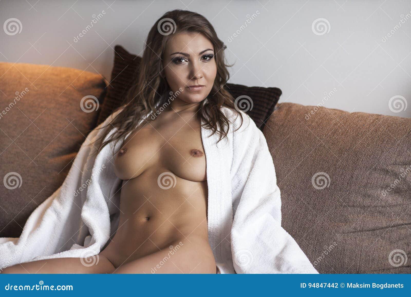 hausfrau nackt fotos