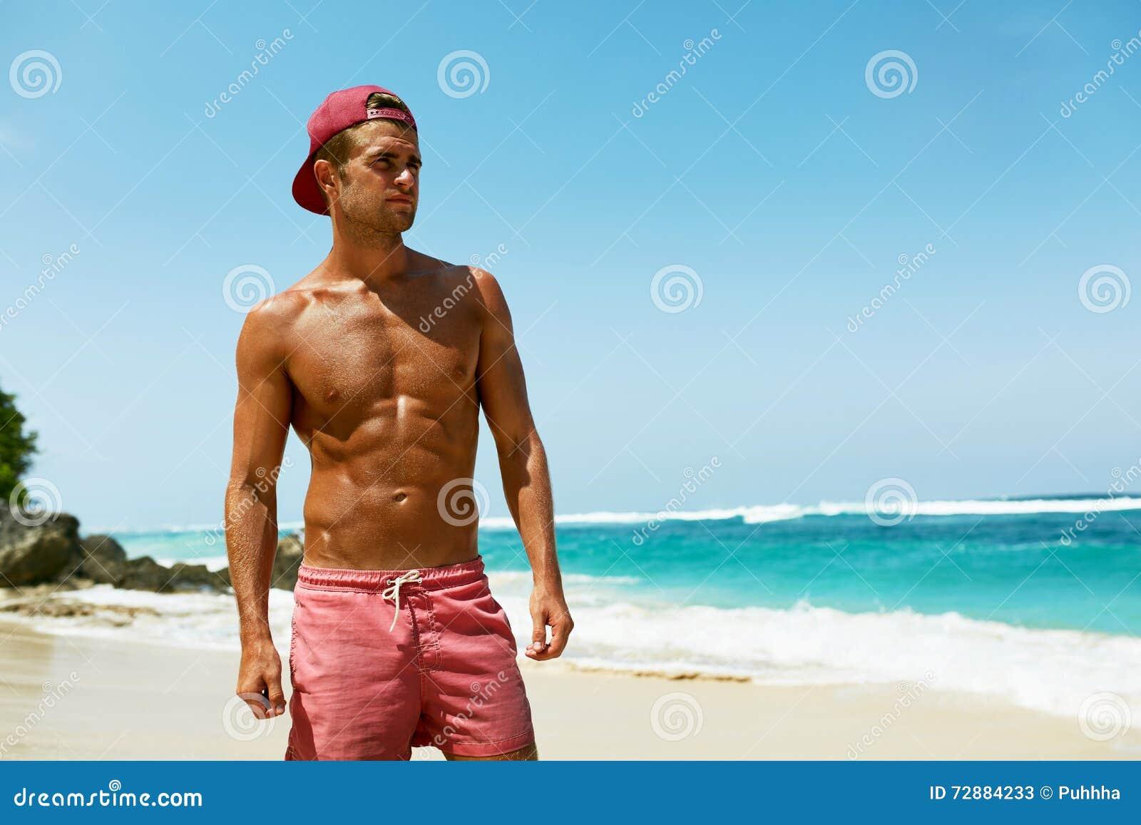 hot-naked-men-relaxing